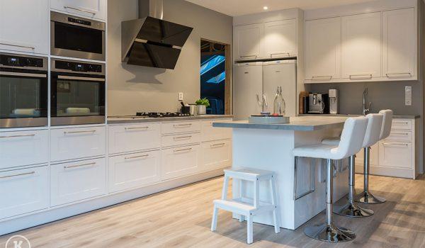 klatre eiendom trapper kj kken d rer vinduer parkett m bler. Black Bedroom Furniture Sets. Home Design Ideas